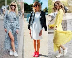 Як носити кросівки з сукнею?