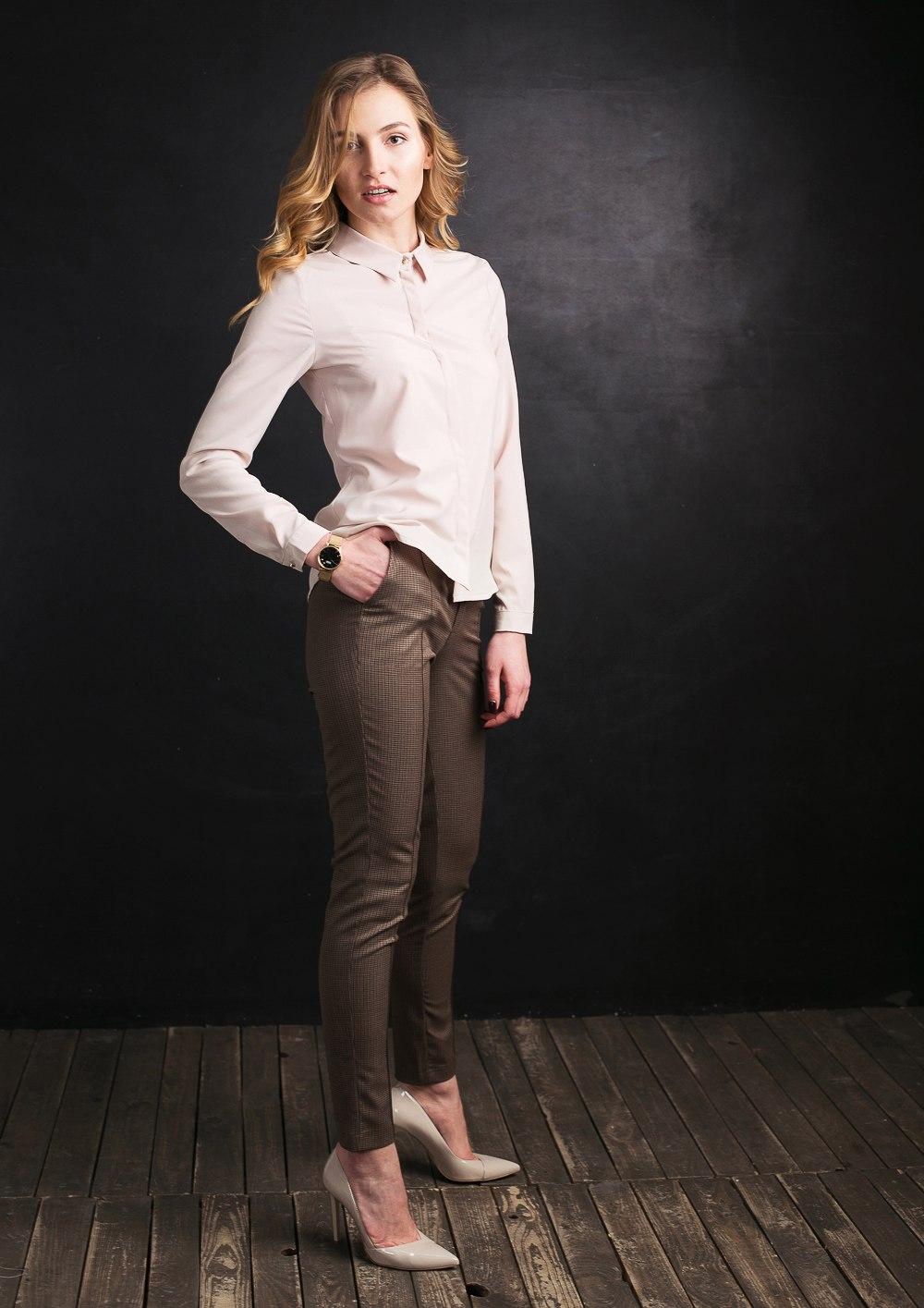 Жіночий одяг в діловому стилі. ba24de32d80c4