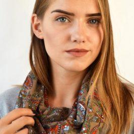 Купити жіночий шарф – незмінний жіночий аксесуар!