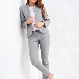 Модні жіночі літні костюми