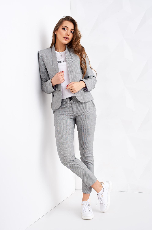 Модні жіночі літні костюми  398ff0e14d876