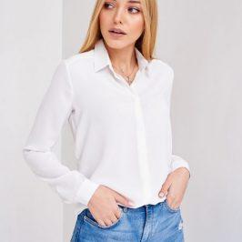 Купити білу блузку на всі випадки життя.