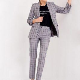 Модні жіночі костюми 2020.