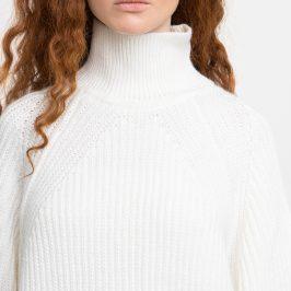 Модні светри цього сезону.